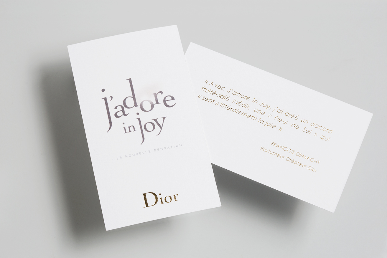 Photo du recto et verso de la touche à sentir J'adore in Joy pour Dior