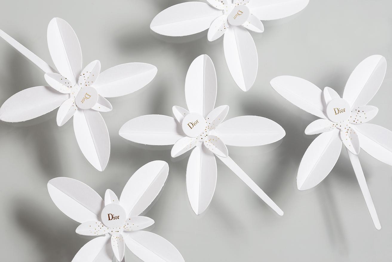 Traffic stopper Dior : Jasmins Dior en papier à parfumer