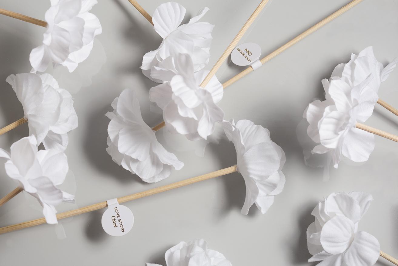 Fleurs parfumables coton en vrac avec tige rotin pour Love Story de Chloé