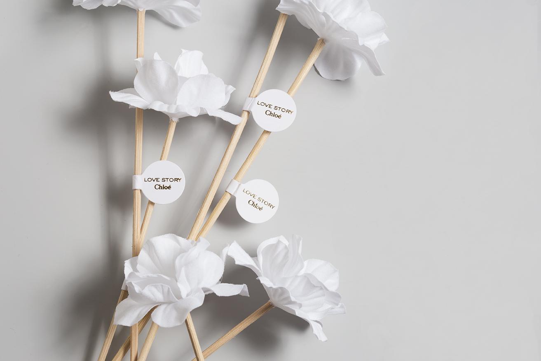 Bouquet de fleurs parfumables en coton avec tige rotin pour Love Story de Chloé